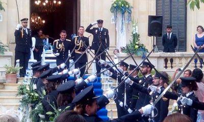 Đám cưới của hai nam cảnh sát ở Tây Ban Nha