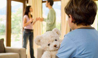 Cha mẹ có quyền và nghĩa vụ gì với con sau khi ly hôn?