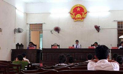 Thư ký tòa án làm giả quyết định ly hôn để có… tiền bồi dưỡng