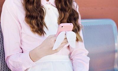 """Sử dụng smartphone quá nhiều sẽ làm bạn """"xấu đi trông thấy"""""""