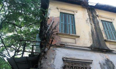 """Những ngôi nhà cổ Hà Nội đang chờ """"cấp cứu"""""""