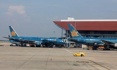 Hàng loạt chuyến bay đến Đài Loan bị hủy do bão Dujuan