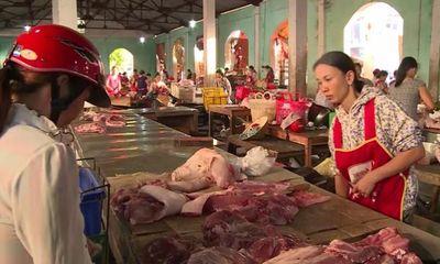 Thịt lợn bẩn, chưa qua kiểm dịch vẫn hàng ngày