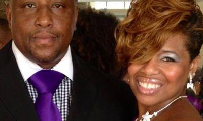 Chồng òa khóc nức nở khi vợ báo tin mang thai sau 17 năm không con