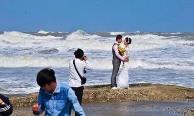 Những cảnh hậu trường chụp ảnh cưới
