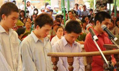 Thất tình, thiếu gia Tây Ninh rạch đùi hàng loạt nữ sinh