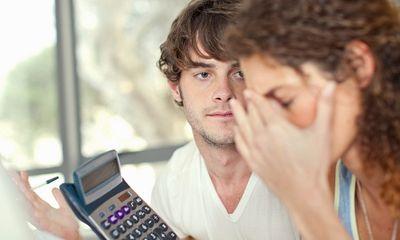Sai lầm trong quản lý tài chính gia đình khiến vợ chồng