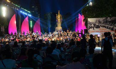 Hà Nội rực rỡ đèn đêm đón ngày Giải phóng Thủ đô