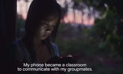 Đoạn clip truyền cảm hứng từ cô gái nhặt vỏ sò lấy bằng khoa học máy tính