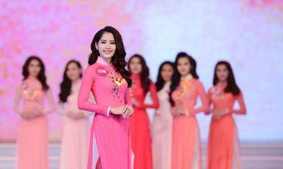 Nam Em lần đầu kể chuyện tại Hoa hậu Hoàn vũ Việt Nam 2015