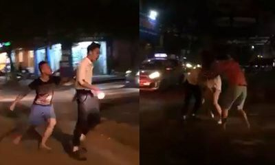 Bắt quả tang vợ dắt trai đi dạo phố và cái kết quá đắng