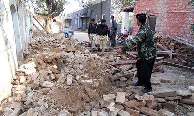 Afghanistan: 12 học sinh giẫm đạp lên nhau đến tử vong vì chạy động đất