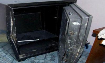 Đột nhập phá két sắt trộm 160 triệu và 4 cây vàng giữa ban ngày
