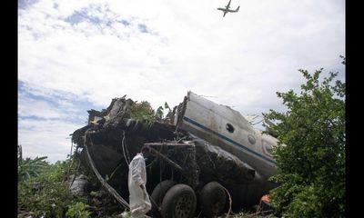 Vụ máy bay rơi ở Nam Sudan: Em bé sống sót nhờ mẹ
