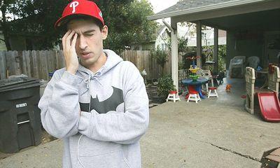 Chàng trai suýt mất mạng vì bị sán đào hang trong não