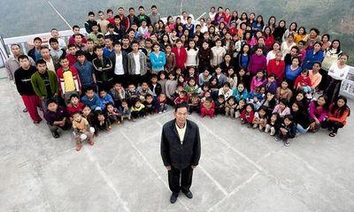 Sốc với người đàn ông có 39 vợ, 94 con và 33 cháu
