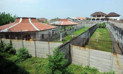 Indonesia dùng cá sấu để canh giữ tù nhân như phim James Bond