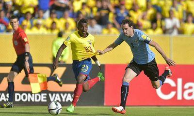 Ecuador đánh bại Uruguay, vươn lên dẫn đầu khu vực Nam Mỹ