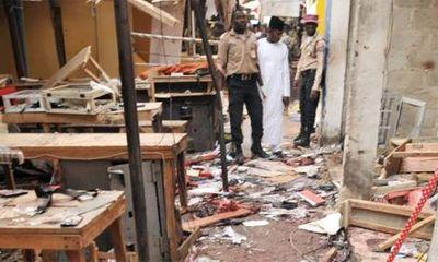 Bé gái 11 tuổi đánh bom liều chết, hàng trăm người thương vong