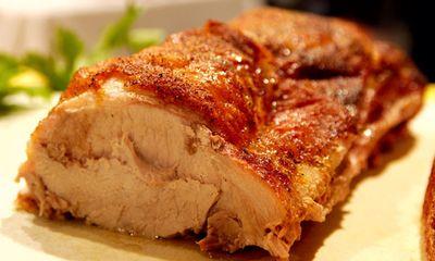 Thịt heo nướng tẩm ướp gia vị vừa thơm vừa mềm ăn là mê