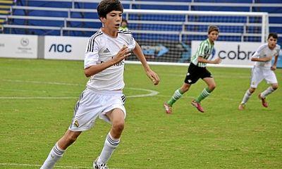 Con trai Zidane trình diễn kỹ thuật siêu đẳng