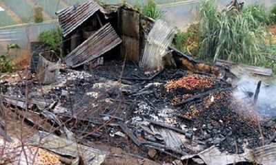 Cãi nhau với vợ, chồng đốt nhà làm 3 người thương vong