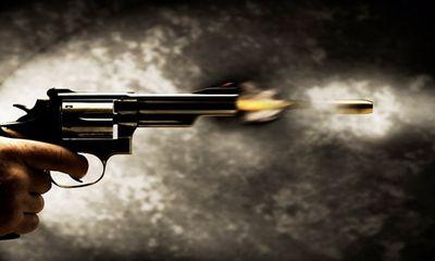"""Công an """"rởm"""" nổ súng bắn Công an thật, cướp xe bỏ chạy"""