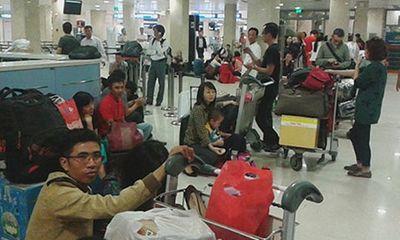 Miền Nam - Hàng trăm hành khách gây náo loạn tại sân bay Tân Sơn Nhất