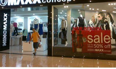 Săn hàng thời trang giảm giá tiết giao mùa