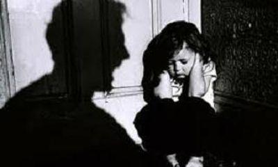 """Bé gái 5 tuổi vô tình """"hậu quả"""" của phim sex"""