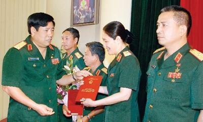 Đề xuất chỉ Chủ tịch nước được phong quân hàm cấp tướng