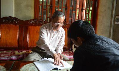 Chuyện về người thầy giáo dạy chữ cho... tiến sĩ trên đỉnh Trường Sơn