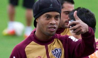 Tiết lộ: Ronaldinho chi 5 tỷ để sửa răng