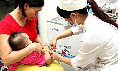 Bộ Y tế khẳng định vẫn tiếp tục tiêm vắc xin viêm gan B theo lịch