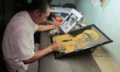 Tuyệt kỹ vẽ tranh bằng khói bếp của họa sĩ ... nông dân