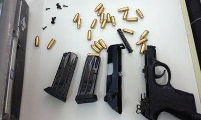 Hàng loạt vụ buôn lậu súng qua đường hàng không