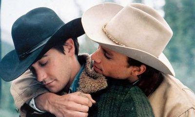 Đắng lòng những mối tình đồng tính xuyên biên giới