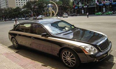 Siêu xe Việt triệu đô phơi nắng phơi mưa lên báo nước ngoài