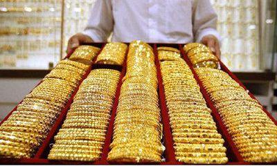 Giá vàng châu Á sát đáy sau 3 tháng liền