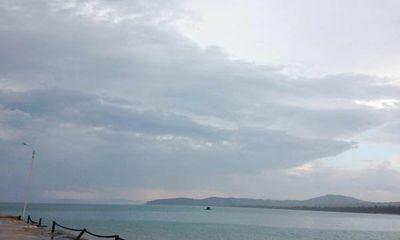 Thừa Thiên Huế: Đang câu cá, 2 em nhỏ bị sóng cuốn trôi
