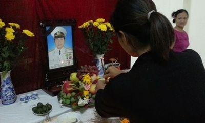 Gặp gia đình Trung úy Hải quân hi sinh ở Trường Sa