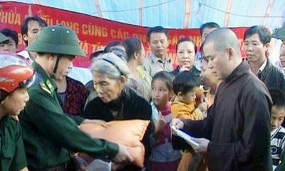 Cứu trợ từ khắp mọi miền hướng về vùng lũ Hà Tĩnh