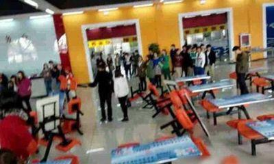 Nhà trường thu phí tắm rửa, sinh viên phẫn nộ đập phá