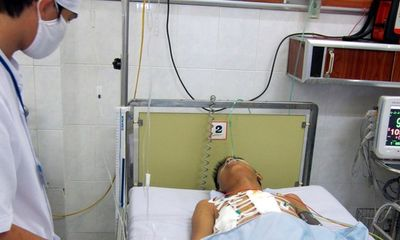 Một bệnh nhân bị đâm thủng tim được cứu sống