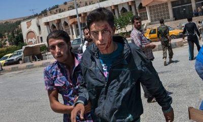 Bị kẹp giữa hai gọng kìm, quân nổi dậy Syria ngắc ngoải