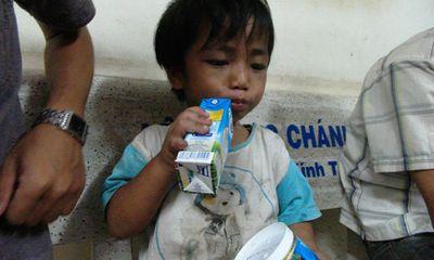 Giải cứu thành công cháu bé 3 tuổi bị cậu ruột tra tấn, bắt đi ăn xin