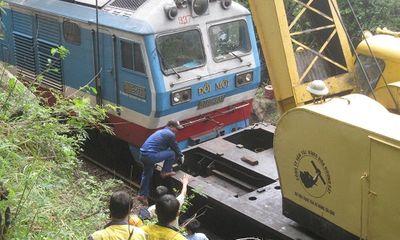 Tàu khách SE7 bị trật bánh ở Phú Yên