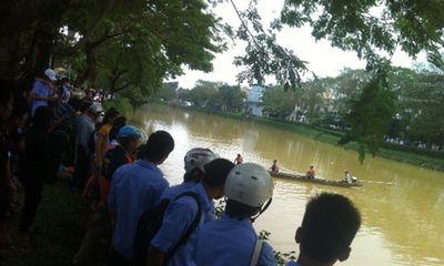 Thăm thầy cô ngày 20/11, nữ sinh viên rơi xuống sông tử vong