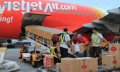 Chuyến bay chở 7 tấn hàng cứu trợ đến Philippines
