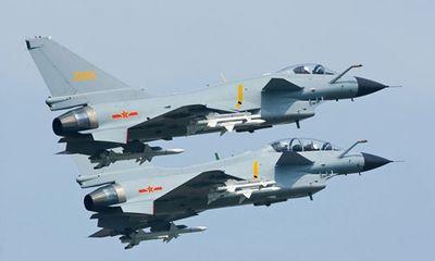 Máy bay Nhật - Trung chặn đuổi nhau trên biển